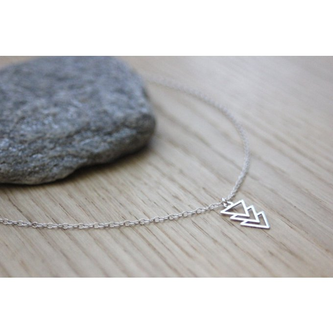 Collier argent massif pendentif 3 triangles