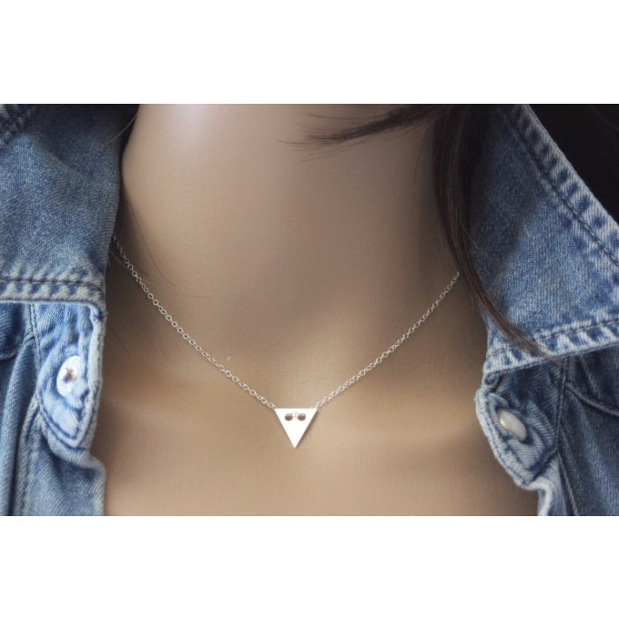 Collier argent massif pendentif médaille triangle