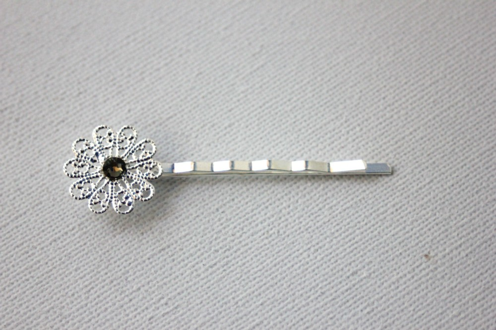 Barrette épingle fleur filigrane & swarovski black