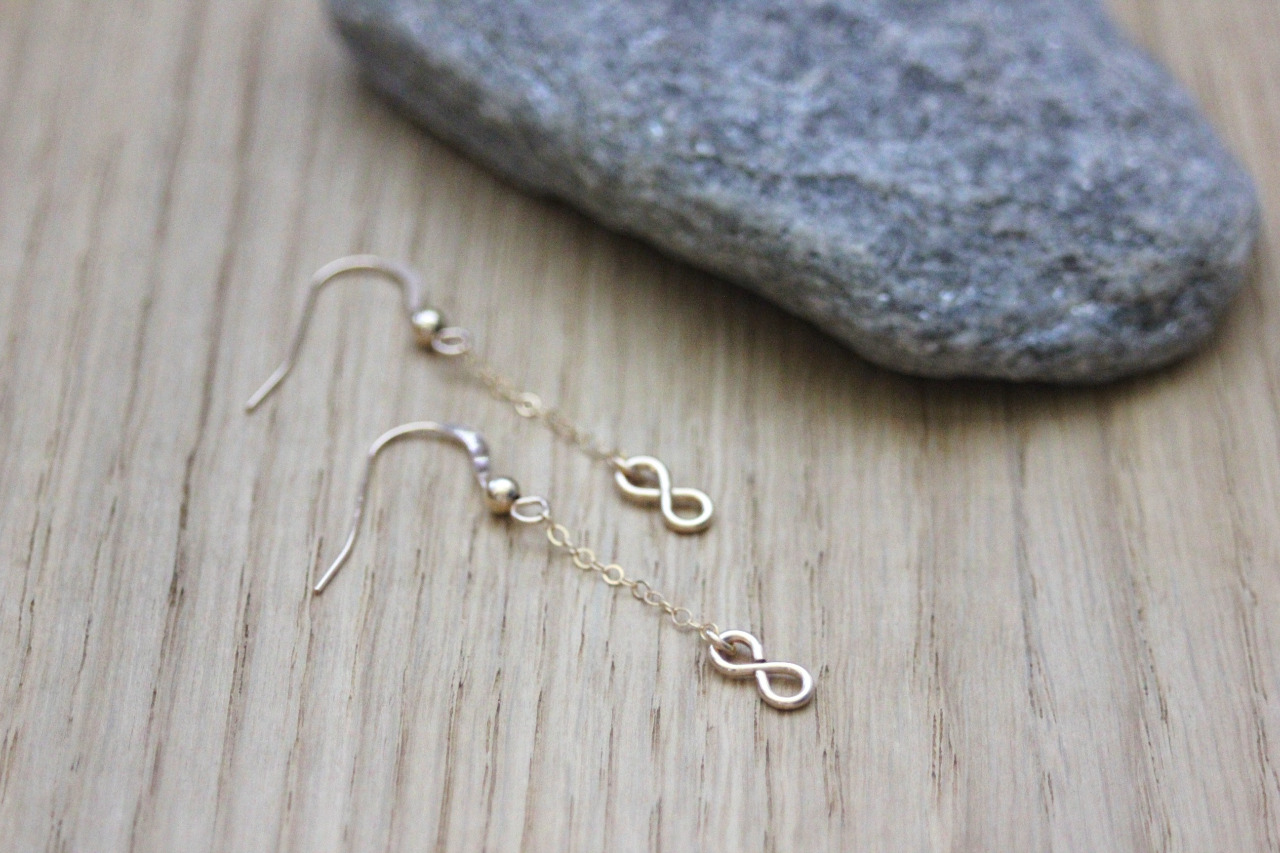 Boucles d'oreilles or Gold Filled pendentif infini