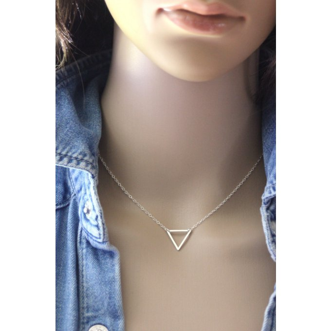 collier argent pendentif triangle