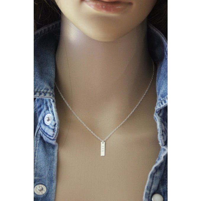 collier pendentif médaille rectangle