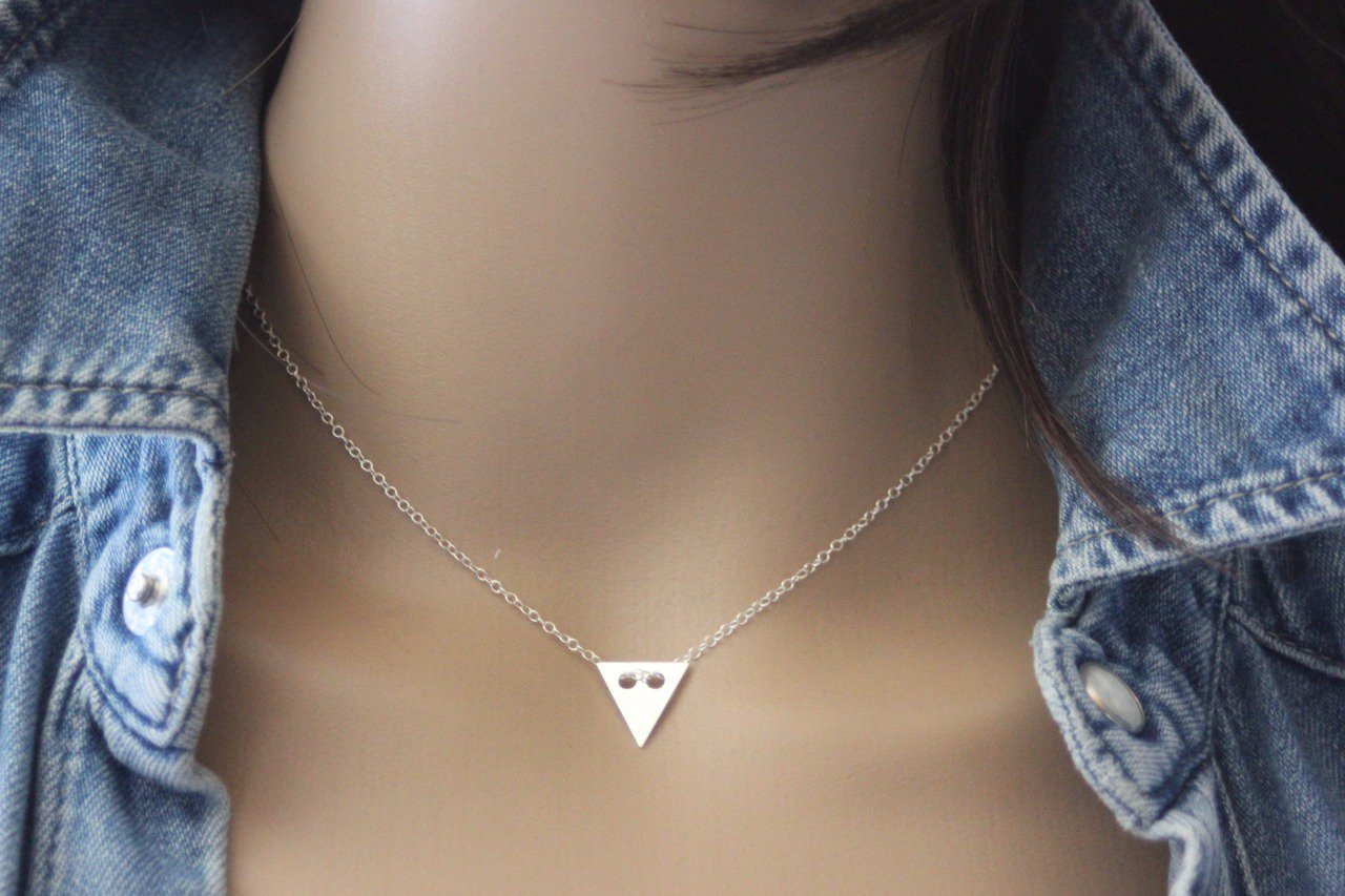 collier argent femme triangle