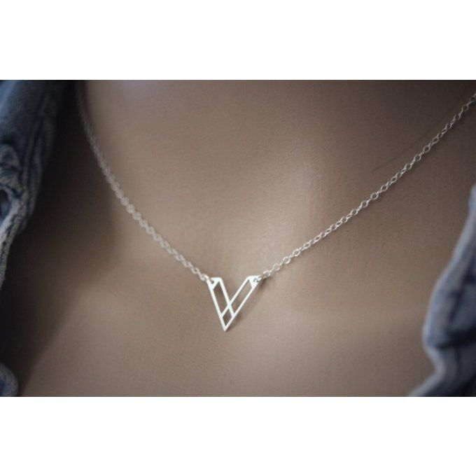 Collier argent massif pendentif triangle